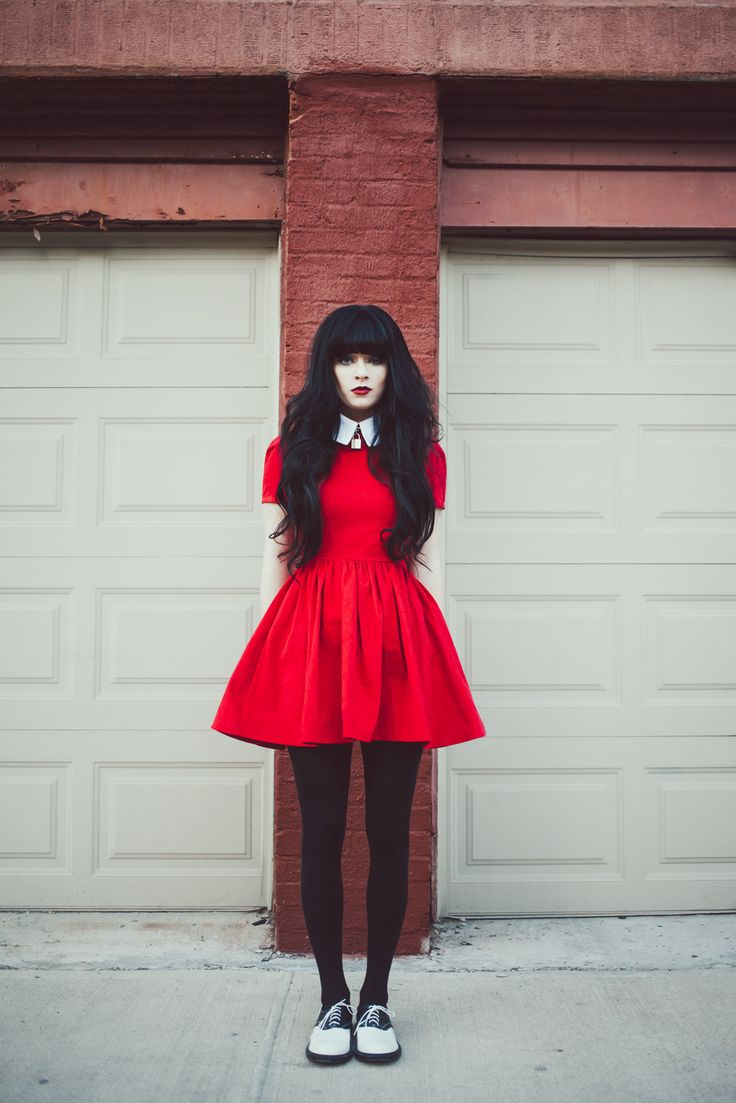 Red dress. Her hair is pretty fabulous too.