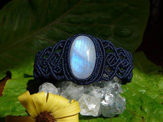 Guarda questo articolo nel mio negozio Etsy https://www.etsy.com/it/listing/530640947/gioielli-macrame-bracciale-pietra-di