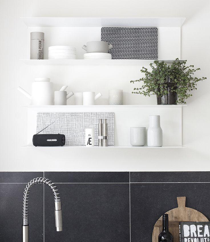 Ikea open shelf. beeldsteil styling and photography