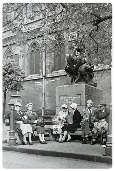 Mark Strizic, Under Matthew Flinders at St Pauls, London, 1954