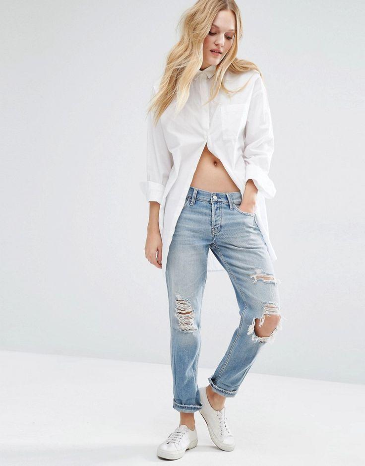 Изображение 4 из Светлые джинсы бойфренда с прорехами спереди Abercrombie & Fitch