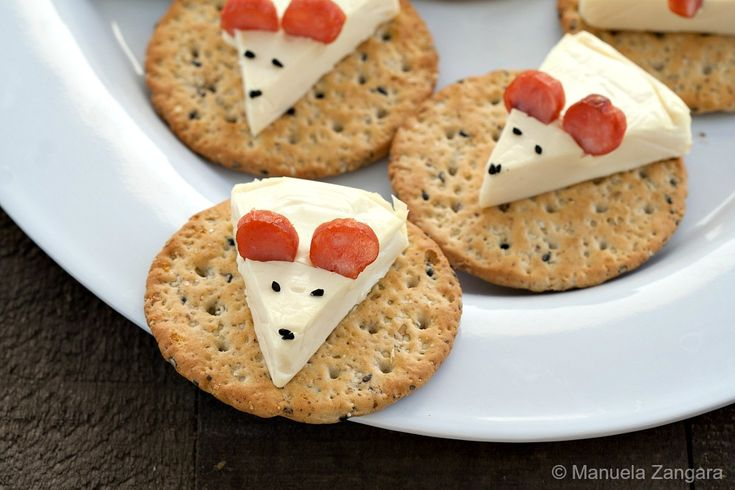Cheese Mouse on a Cracker - a fun and cute idea for your next party! Please √ Comment √ Share √ Like Thank you Here is a cute appetizer idea for you! This cheese mouse was made from Happy Cow Cheese Wedge,Black sesame seeds & Thin sliced salami, It's pretty easy, isn't it?