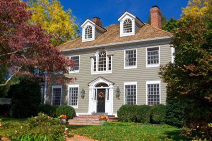 Google Image Result for http://www.house-painting-info.com/image-files/colonial-revival-style-house.jpg