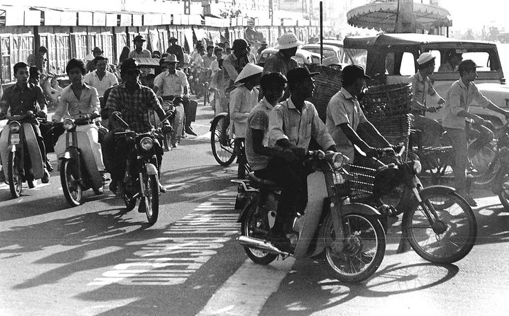 Afternoon Traffic In Downtown Saigon 1971 - Ngã tư Lê Lợi-Pasteur
