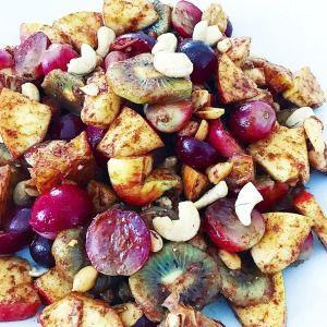 FITNESS zdravý - ovocný šalát so škoricou a orechmi!