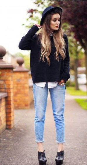 ボーイフレンドデニムにブーティ・ブーツの着こなしコーデ(海外スナップ画像) | Lifeinfo!