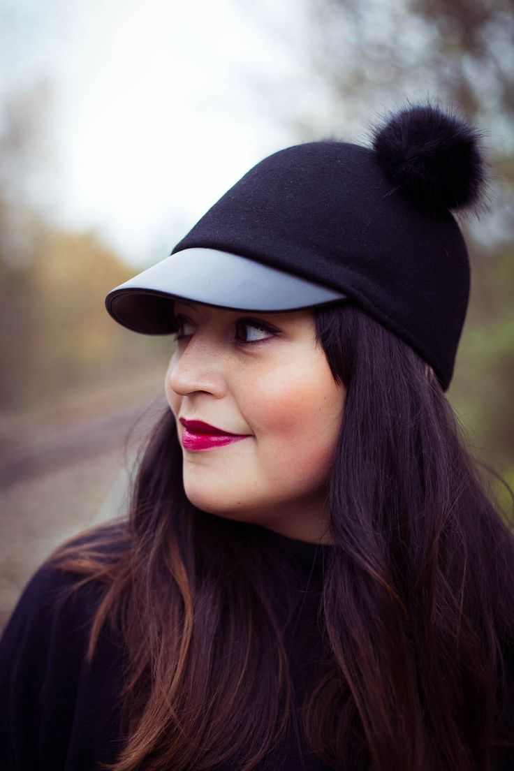 www.goldenweek.de pom pom cap hm hat girl makeup face streetstyle autumn winter look ombre hair