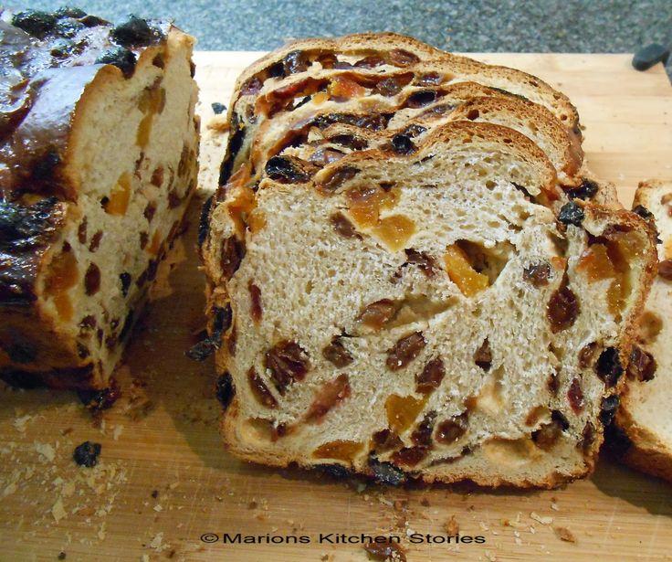 Marions Kitchen Stories & Thuis brood bakken: Rozijnenbrood met ( zelfgemaakte ) vanille-essence, zonder suiker
