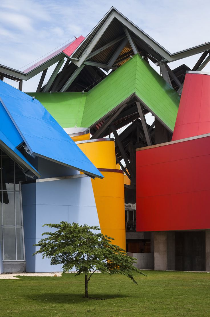 Frank Gehry's Biomuseo reveals the untold story of Panama's global environmental influence... http://www.we-heart.com/2014/10/14/biomuseo-frank-gehry-panama/