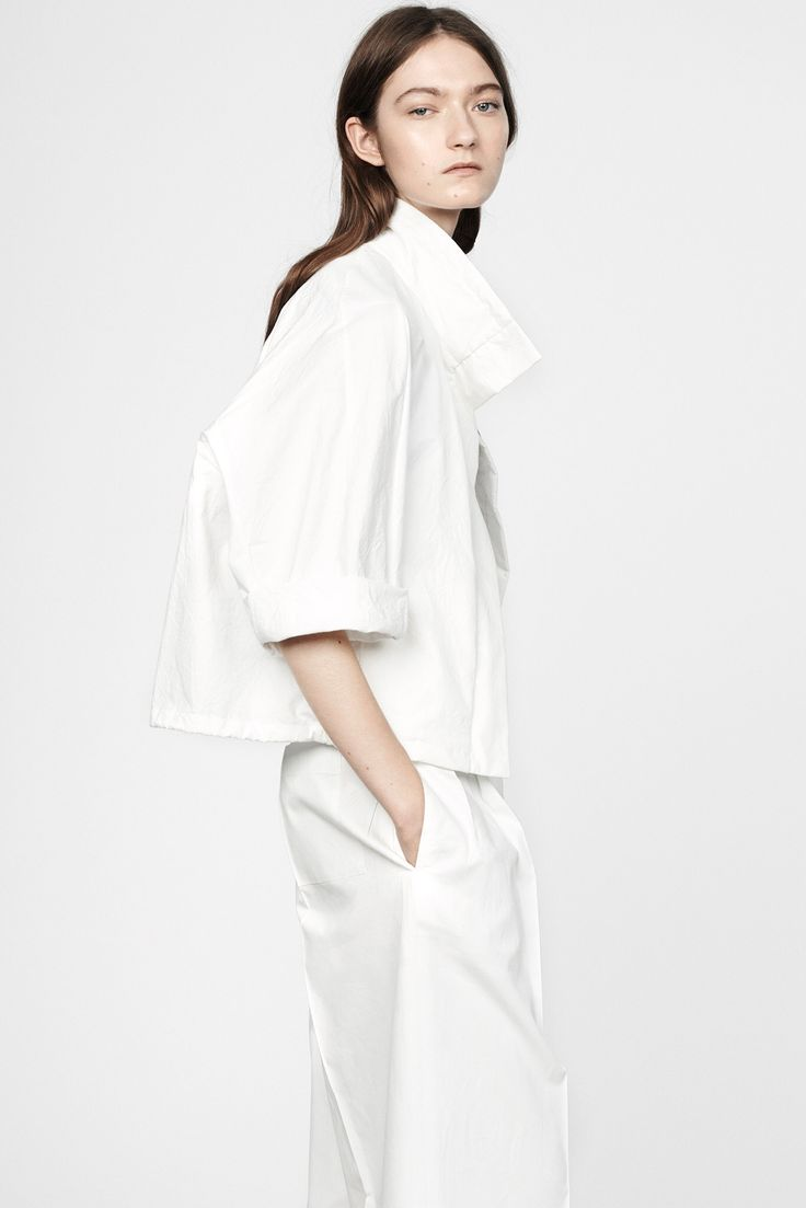 Crisp White Tailoring - all white outfit; contemporary fashion // Jil Sander Resort 2015