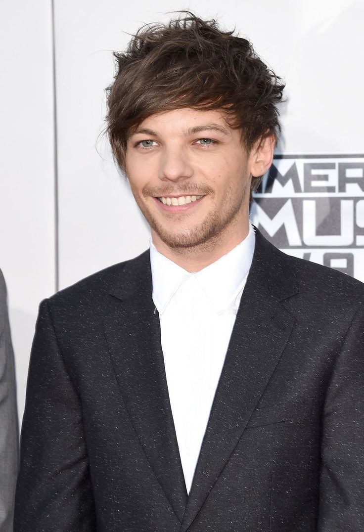 Louis tomlinson lets his hair down in manchester after splitting from - One Direction S Louis Tomlinson Tweets About Birth Of Son I M Very Happy