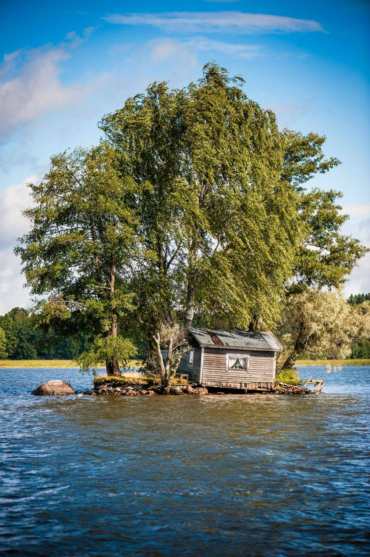 Tumbledown log cabin, middle of a lake, Finland. Literally all I want. Level it,patch it up a bit and I could happily spend all summer here!