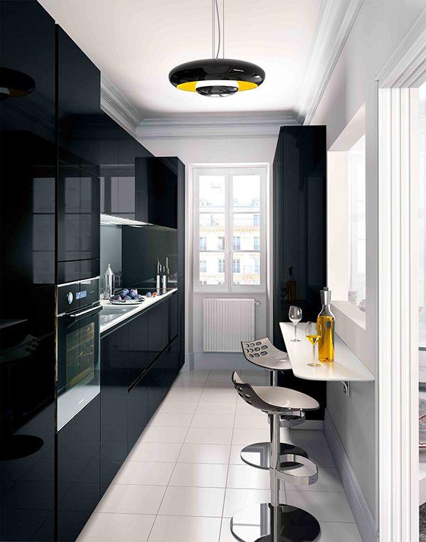 Une cuisine Kiffa noir brillant épurée avec un maximum de fonctionnalités | #Cuisine #Rangements #Deco