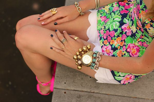 Dying over Blair's [Atlantic-Pacific] coordinated nails with our Gardenia Top in Mini Getaway Garden! (available in June!): Fashion, Scallops Shorts, Lilly Pulitzer, Pink Nails, Summer Style, Outfit, Accessories, Arm Candies, Bright Colors