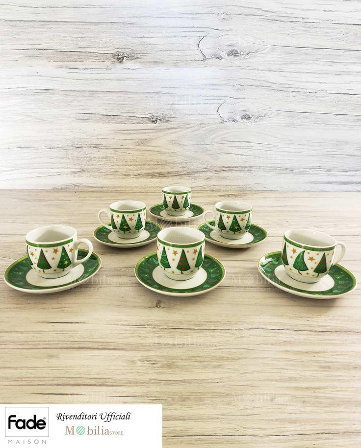 Fantastiche Tazzine da Caffè Natalizie, esclusivo complemento per la vostra tavola, realizzate in ceramica, decorate con meravigliosi alberi di natale stilizzati in verde e rosso, garantiscono una tavola davvero sfiziosa, i vostri ospiti ne rimarranno incantati! Scopri le meravigliose promozioni su Mobilia Store, eccezionali sconti fino al 60%.