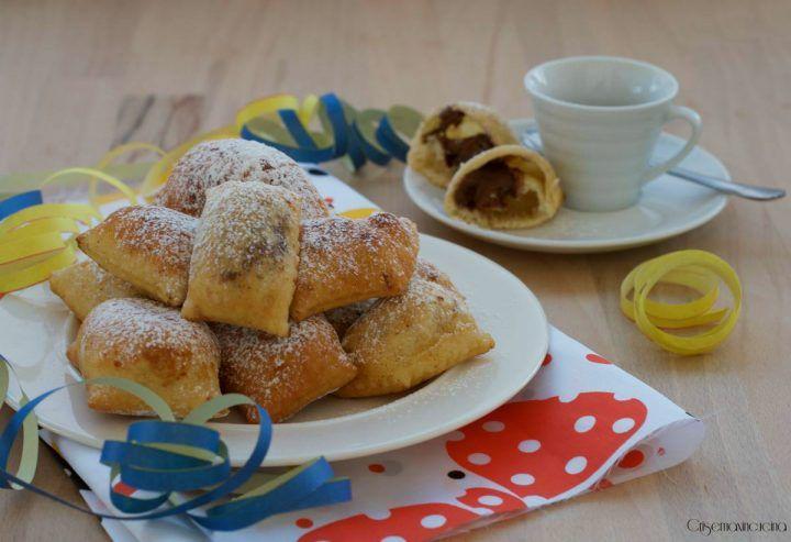 le bugie ripene alla nutella, una vera prelibatezza che conquisterà grandi e piccini, golosi dolci carnevaleschi fritti e poi passati nello zucchero.
