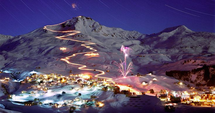 Who wouldn't want to take a run down this course in Switzerland! #ski #scenic