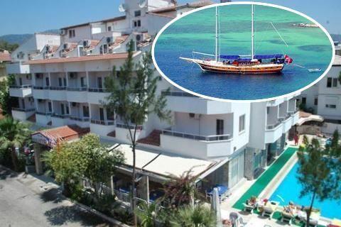 Blue Cruise&Hotel Myra  Description: Uw hut Een gület boot is tussen de 19 tot 24 meter lang en u heeft dus aan boord beperkt ruimte. Dat is uiteraard ook de charme van een vaarvakantie. De hutten zijn tussen de 5 en 8m2 en hebben een 2 persoonsbed (sommige boten hebben hutten met 2 losse bedden echter kunnen wij u dit voor vertrek niet toezeggen) een raampje een kleine douche met toilet en een kleine kledingkast. Aan boord zijn er maximaal 6 tot 8 hutten. Aan boord wordt u verwend door een…