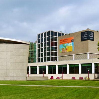 Van Gogh Museum, Museumplein te Amsterdam