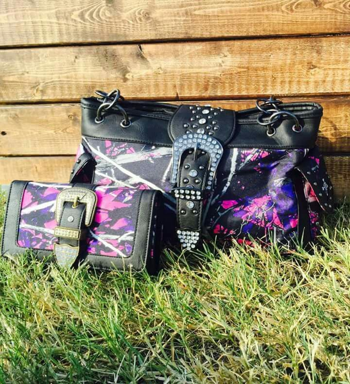Muddy girl pink and purple camo. Purse and wallet set