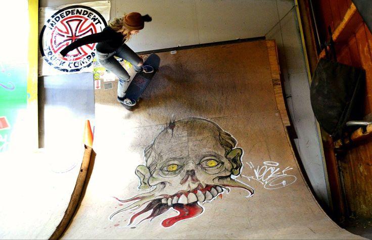 Skate Graffiti-Female Skateboarders  #graffiti #skateboarding #skateboard #independenttrucks #skatephotography