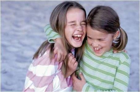 Perché trovare #amici con la A maiuscola aiuta a rendere la vita più bella