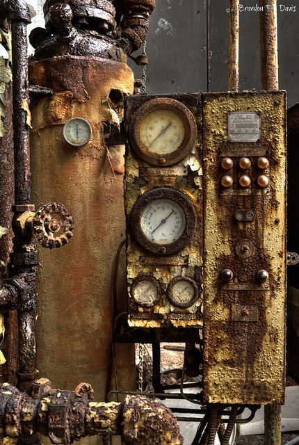 Rust | さび | Rouille | ржавчина | Ruggine | Herrumbre | Chip | Decay | Metal | Corrosion | Tarnish | Texture | Colors | Contrast | Patina | Decay | Rusty Works by bpdphotography, via Flickr