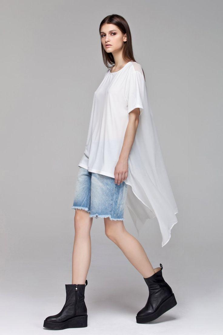 Bibi Top White BLACKBLESSED   @Black Blessed #black #white #fashion #minimal #basic #elegant #designer #urban #urbanchic #dresses #pants #tshirt #top #leggings #white #simple #simplicity