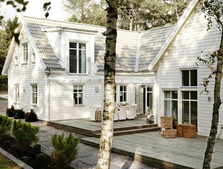 Inspiration: large white wooden house with big porch