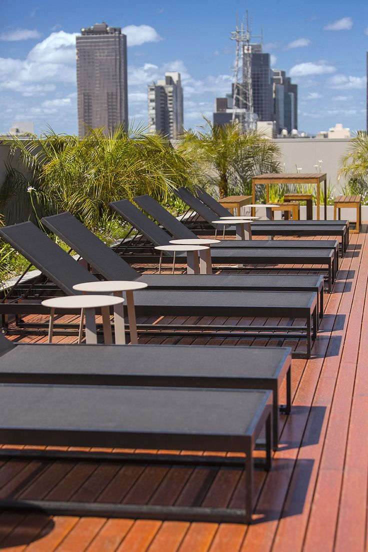 Roof-top pool | Wyndham Hotel Melbourne