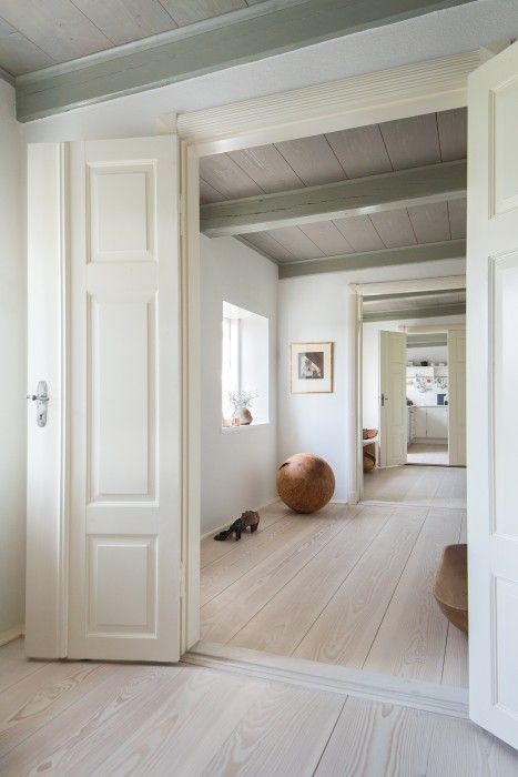 Wooden floorboards - room transition - Douglas by Dinesen