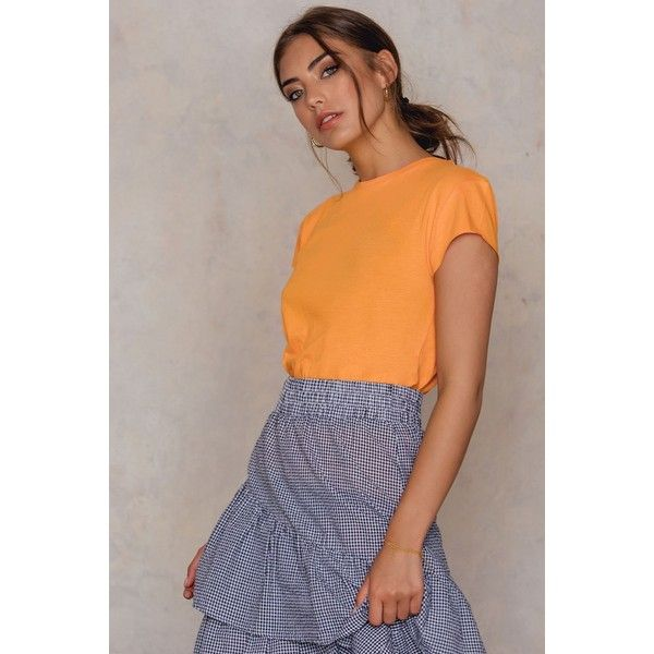 NA-KD Basic Raw Edge Tee ($21) ❤ liked on Polyvore featuring tops, t-shirts, orange, raw cut t shirt, cap sleeve top, brown tee, orange top and orange tee