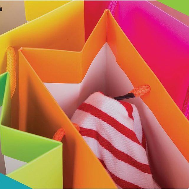 Markanız ellerde gezsin.  BİLGİ AL ☎️ 0212 294 87 32  info@reklamposeti.com  DM  Kurumsal iletişim departmanımız anında cevap verecektir.  #reklamposeti #istpack #kartonposet #kartonpoşet #kartoncanta #kartonçanta #paperbag #carrierbag #tesettur #magaza #butik #kutu #hediye #zeruj #haremfest #fashion #moda #textile #optik