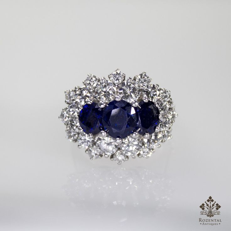 Period: Edwardian (1901-1920) Composition: Platinum Stones: - 12 Full cut diamonds of G-VVS1 quality that weigh 2ctw. - 12 Full cut diamonds of G-VVS1 quality that weigh 0.80ctw. - 3 naturals oval cut