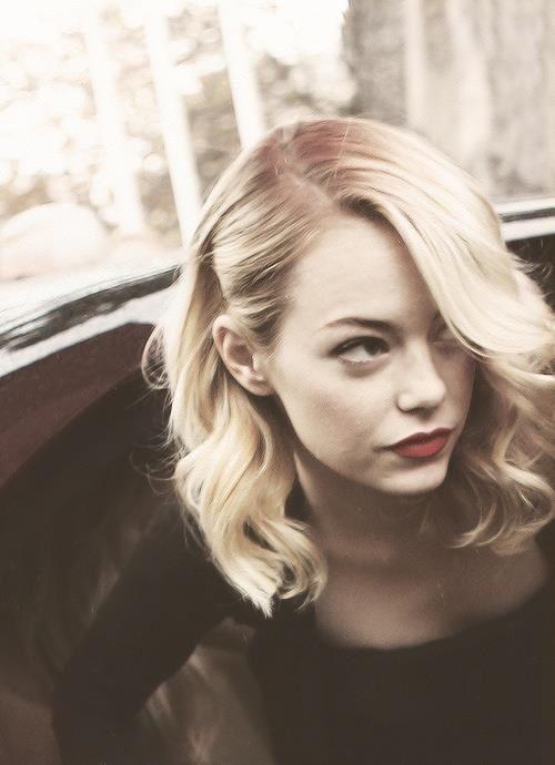 Emma Stone. Simple hair. (and damn good makeup)