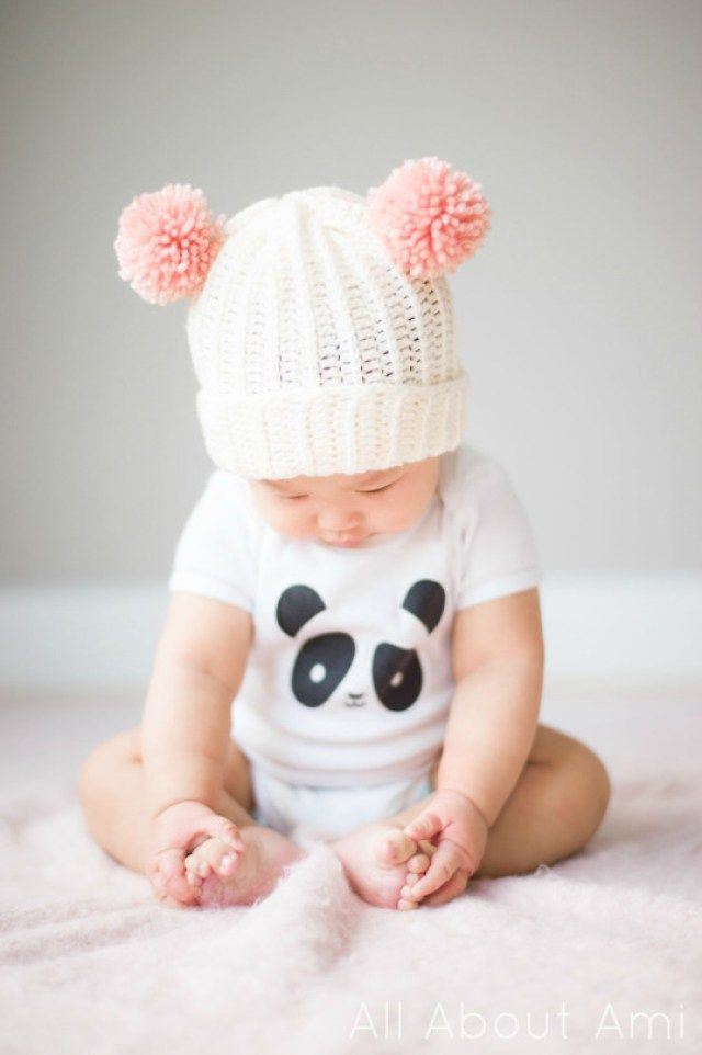10 DIY Pom Pom Projects, Crafts, and Tutorials - Learn to crochet this beautiful baby bear beanie hat with pompom ears with a free tutorial and pattern by All About Ami!