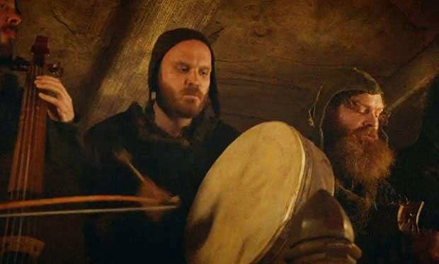 "So this happened: Coldplay drummer Will Champion was in the band that played ""Rains of Castemere"" in the Red Wedding on Game of Thrones. Cool!"