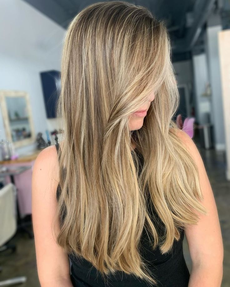 14 Cute Long Layered Haircuts With Bangs in 2020 in 2020 | Side swept bangs long hair, Layered ...