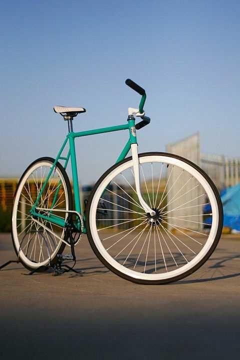 great colors #fixie #fixed #bike