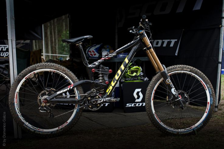 Scott Downhill Bike Prototype .  That rear linkage to the shock is crazy!