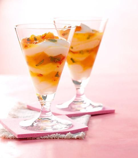 Aprikosenkompott mit Vanille-Quark-Pudding