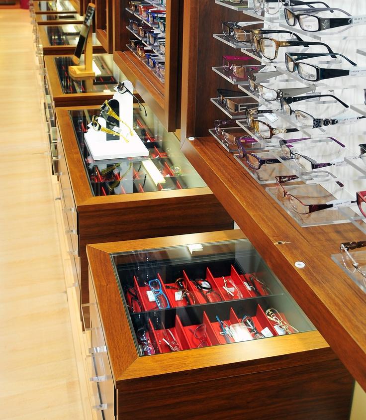 Des concepts de présentoirs qui facilitent le choix de vos lunettes