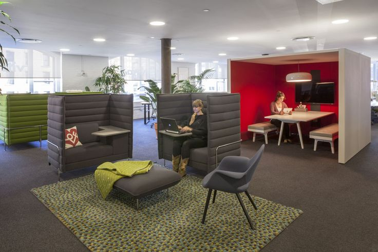 Topissimo rug with Alcove sofa in Vitra offices.