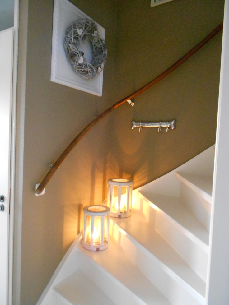 25 beste idee n over witte trap op pinterest trappen trapleuningen en trap leuning - Kleur corridor ...