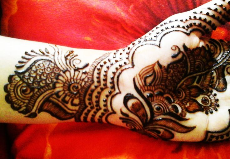 Best Mehndi Design For Front Hand - Eid Mehendi 2015 Video - http://www.mehndiplus.com/best-mehndi-design-for-front-hand-eid-mehendi-2015-video/
