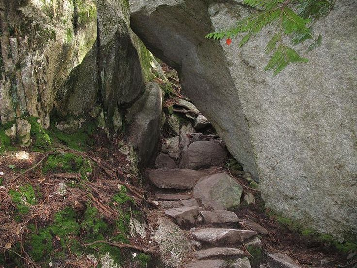 The hiking trail to The Chief pass between two large big boulders
