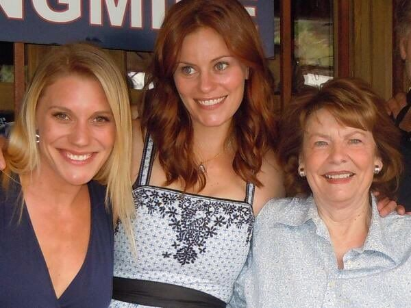 The Longmire Ladies. Katee, Cassidy and Louanne!
