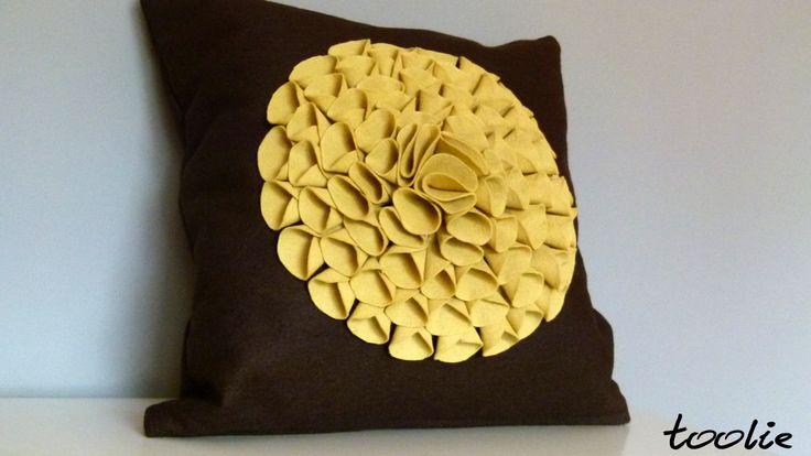 Flet handcraft like a big yellow 3D flower. Meet us: www.facebook.com/tooliepolska