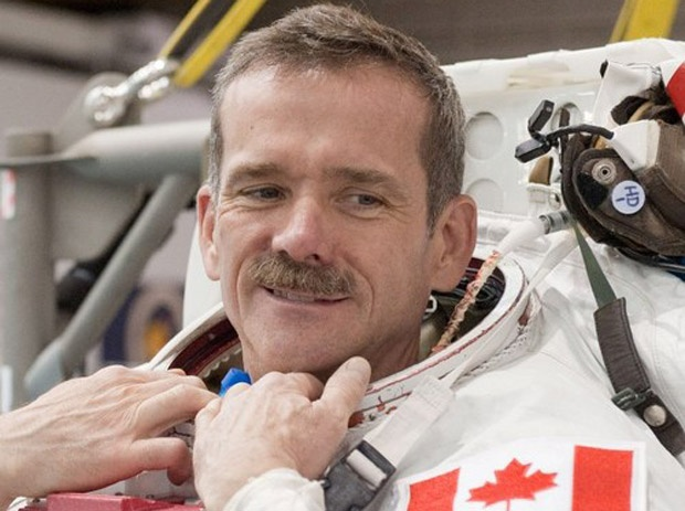 Commander Chris Hadfield got message from Queen in space