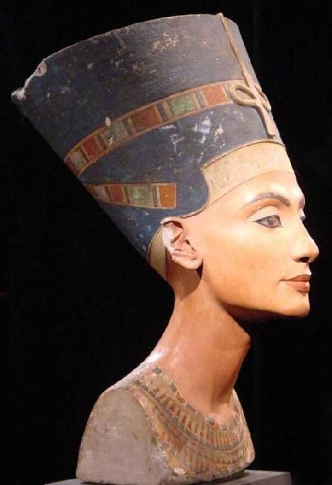 Nefertiti ~ chief wife of the 'heretic' Akenaton, who created the world first 'One God' religion - 18th Dynasty.